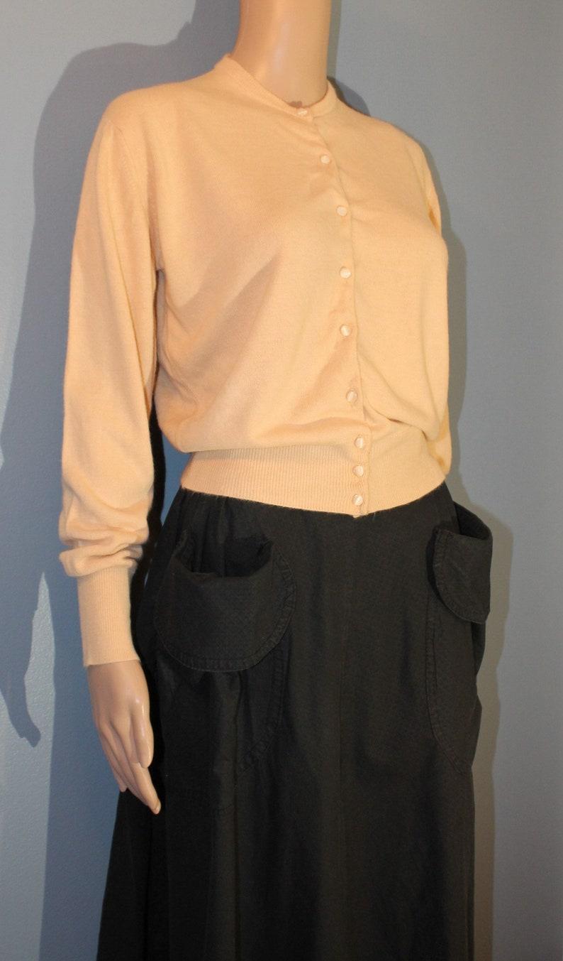 Vintage 1960/'s-1970/'s Orlon Acrylic Beige Cardigan Sweater Women/'s Medium