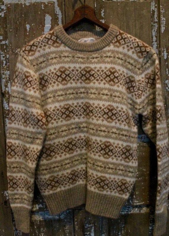 VINTAGE FAIR ISLE  1970's Scottish Wool Sweater Me