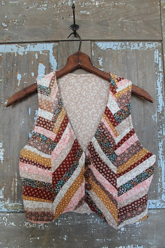 VINTAGE PATCHWORK QUILT Vest