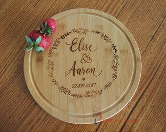 Personalised Engraved Bamboo Round Serving Board - Wedding gift / Anniversary Gift / Valentines Gift /Gift for the couple-circle leaf wreath