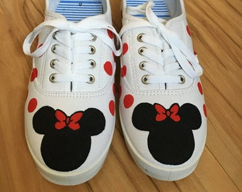 Adult Minnie Mouse shoes