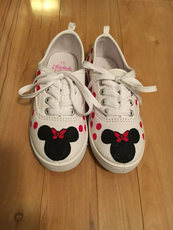 Childrens Minnie Mouse shoes | Etsy