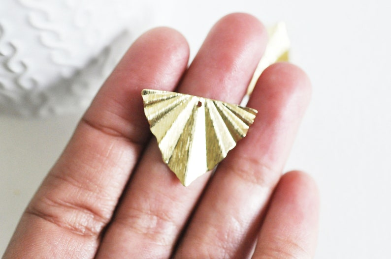 a gold brass pendant,29x22mm,lot of 2,G3221 a nickel-free gold primer Textured raw brass folded triangle pendant