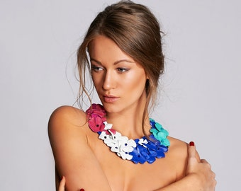 Flower Necklace, Bib Leather Necklace, Multi Color Necklaces, Leather Flower Necklace, Statement Necklace, Flowers Jewelry, Colorful Jewelry