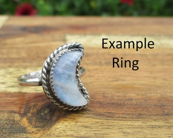 Custom Crescent Moon Moonstone Ring / Sterling Silver Ring / Crescent Moon Ring / Moon Crystal Ring / Artisan Ring / Rainbow Stone Ring