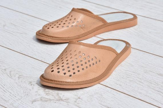 Babouches en cuir, confortables tongs, sandales en cuir, chaussons femmes, Evryday pantoufles, tongs pour l'été, Flip broderie, très léger.