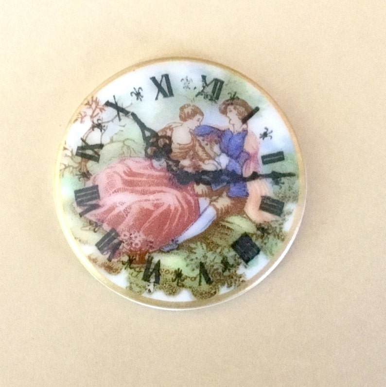 Victorian Couple Cabochon Clock 1970s Ceramic 35mm Flat Backed Round Cabochon For Jewelry Vintage Cabochon Disc Love Romance