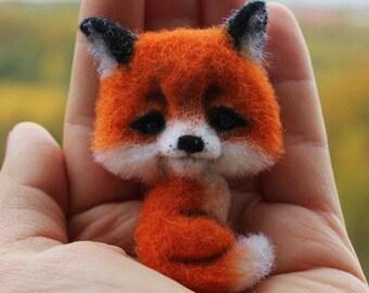 Brooch fox. Felt brooch
