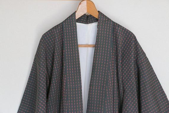Vintage Japanese Kimono /// Black and Red vintage