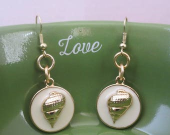 Gold shell dangle earrings