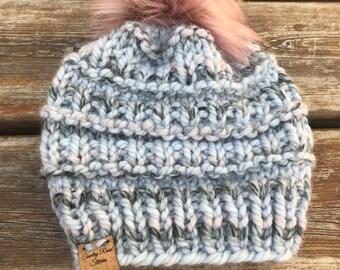 ac65b2092 Knit pom pom hat | Etsy