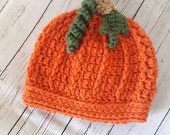 Newborn pumpkin hat, baby pumpkin hat, crochet newborn pumpkin hat, newborn pumpkin photo prop, newborn photo prop, baby shower gift