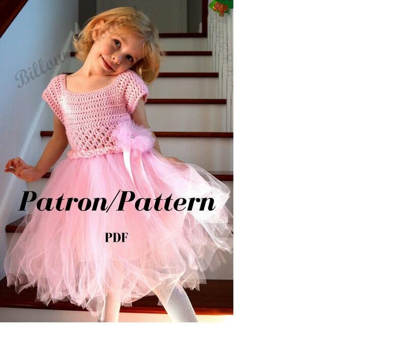 91001c4b5c3 Patron crochet Robe pour fillette avec jupe en tulle