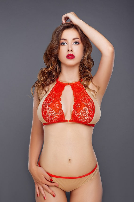How To Wear An Open Cup Bra