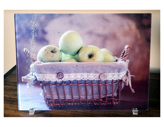 Glass Cutting Board, Kitchen Fruit Decor, Apple Kitchen Decor, Basket of  Green Apples, Fruit Decoration, Housewarming Gift, Hostess Gift