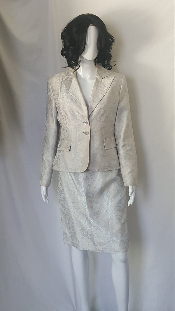 Two Piece Spring/Summer Suit - image 3