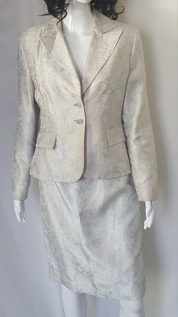 Two Piece Spring/Summer Suit - image 4