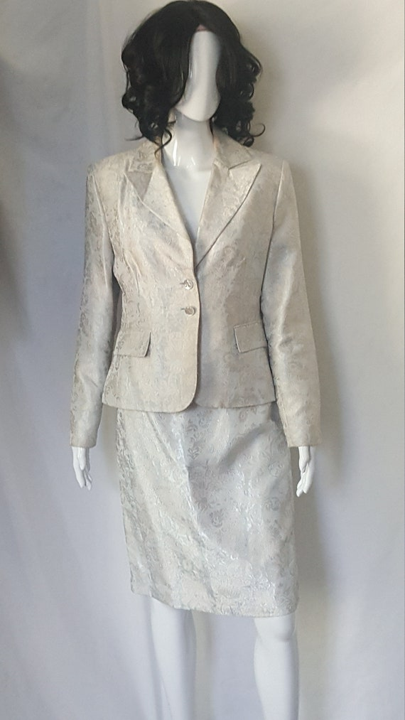 Two Piece Spring/Summer Suit - image 1
