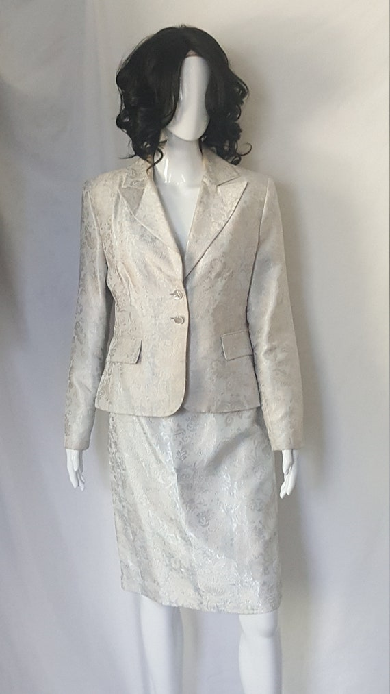 Two Piece Spring/Summer Suit - image 2