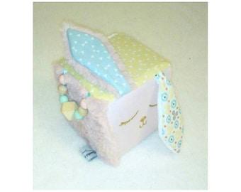 Custom-made Cube of Awakening and Grasping Baby Birth Gift