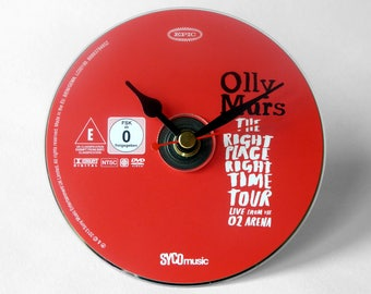 "Olly Murs ""Right Place Right Time Tour"" DVD Clock and Keyring Gift Set"