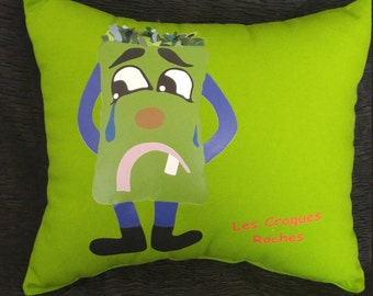 Pillow of Jade. Lime.coussin green cushion made main.coussin printing chaud.coussin enfant.croques green rocks.