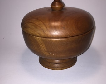 Lid can of olive wood, mid century modern, 60 he years