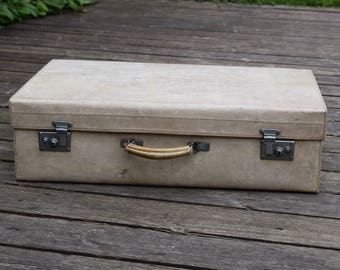 Vintage,vellum,suitcase,vintage suitcase,suitcases,cream,pigskin,vintage luggage,travel,hard case,flight case,cottage chic,prop,photo prop,