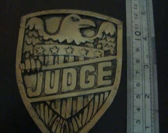 Judge Dredd Badge Gold