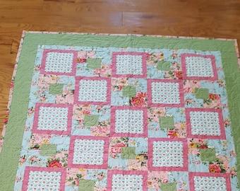 Quilt, Throw Quilt, Lap Quilt, Floral Quilt, Pink Quilt, Pink and Green Quilt, Sofa Quilt