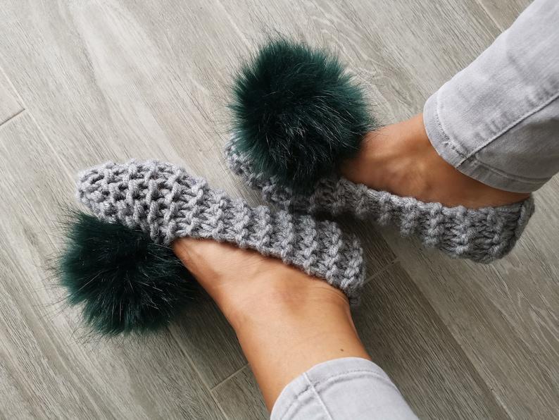 1636bb1b61559 Women Slippers with FAUX fur pom pom Knitted slippers Home shoes Wool  Slippers Knitted Ballet Flats Furry slippers Crochet slippers Non slip