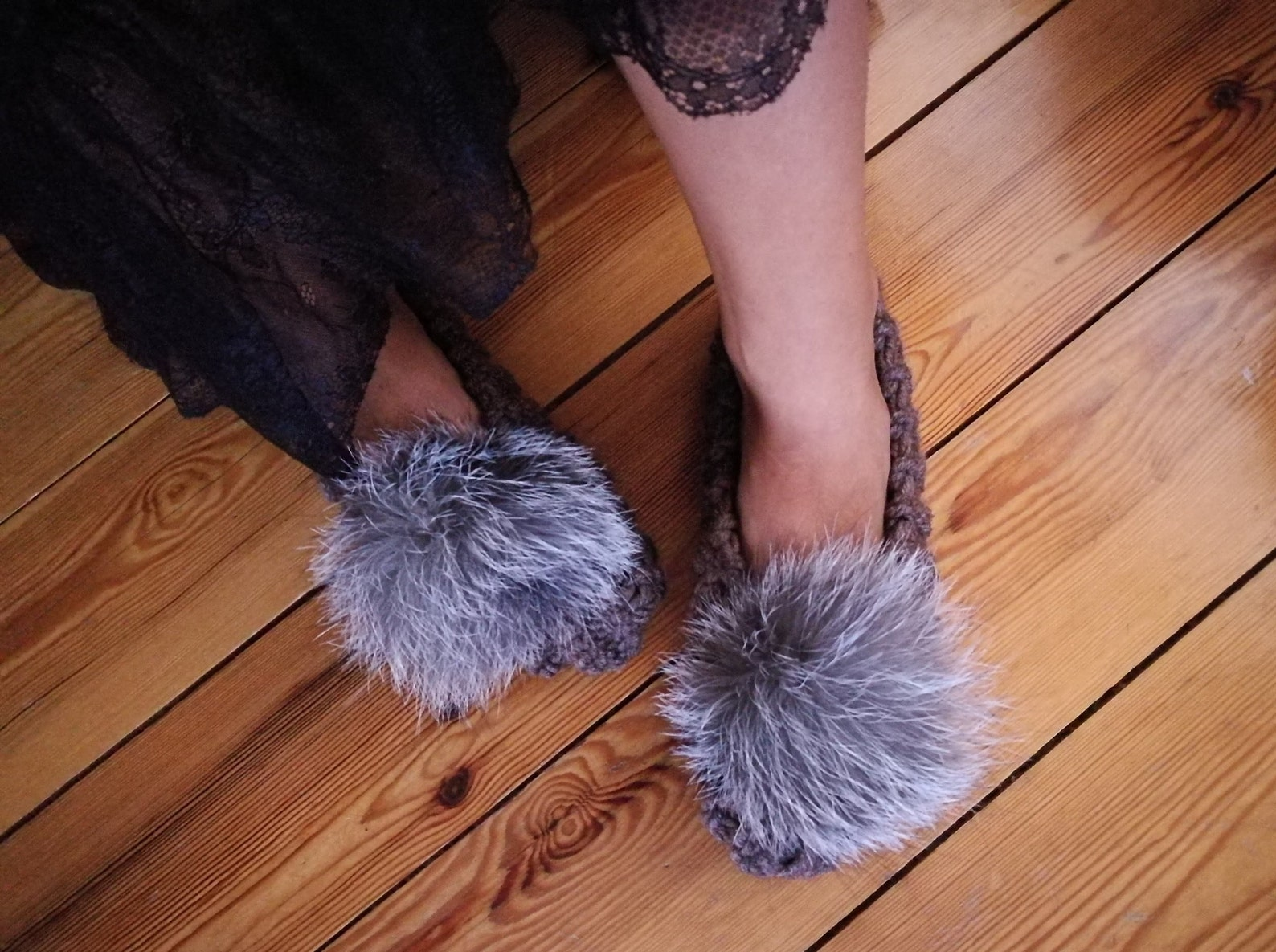 brown knitted women slippers with fox fur pom poms womens slippers wool slippers ballet flats fluffy slippers christmas gift flu
