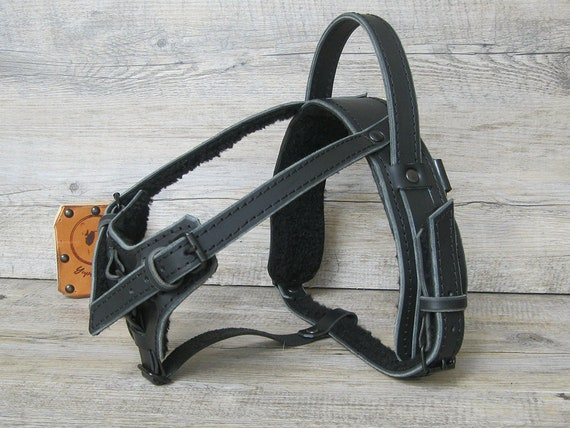 Dogs Kingdom Classic Leather Belt Dog Harness Dog Eyeglass Chest Strap Double-Sided Ultra-Fiber Material Black M
