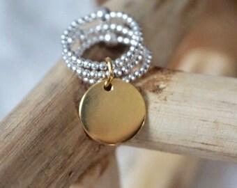 Bague triple composé de perles en argent 925 et d'une médaille en plaqué or (gravure possible)