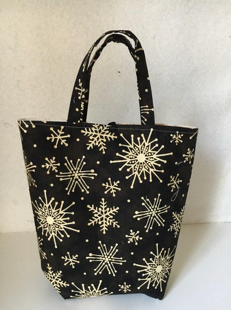 Season\u2019s Greetings Gift Bag Tote