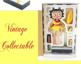 Vintage Betty Boop in the original box with Accessories, She is wearing the famous Marilyn Monroe Dress, This Figure is in Excellent Cond