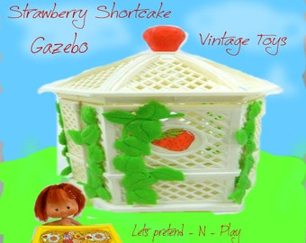 Strawberry Shortcake Gazebo and Mini Doll with Desk, From 1979/ 1981, with reduced shipping