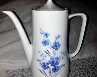 Tea Sets with Tea Pots