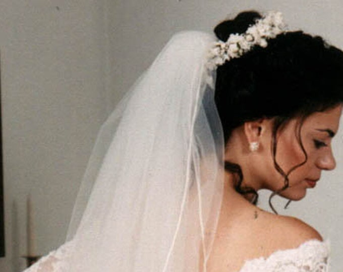 Vintage Wedding Veil With Band Top  ,Band has babies breath flowers and pearls, Medium Length Tulle in Excellent Condition