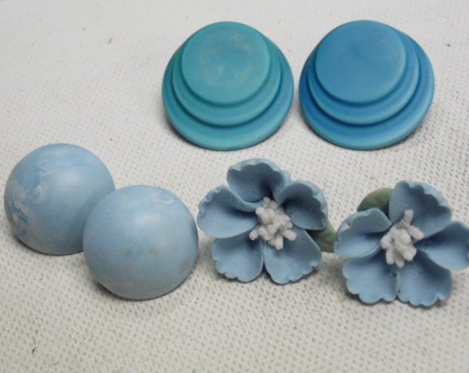 Women's Vintage Ear Ring Set of Three, Blue Ear Rings, Round Flat , Round Bubble and Flowers , All three pair are Beautiful , EUC