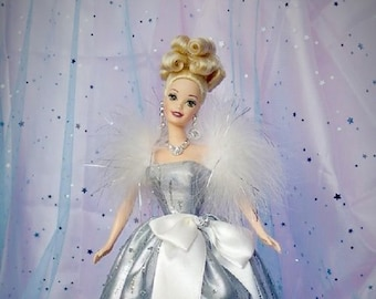 Barbie Silver Royale , In the original Unopened Box, 1994, Beautiful Blonde in her Silver Gown, With Reduced Shipping
