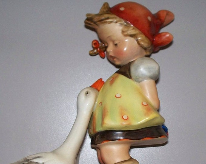 Hummel GooseGirl 47/03   4 inchs tall  Vintage Collectable - Retail is 240, W/ Reduced shipping
