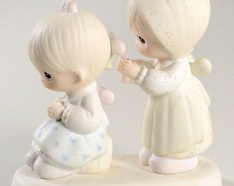 "Precious Moments Figurine ""TO A SPECIAL SISTER  "" in the original box , Retired , excellent condition w/ reduced shipping"