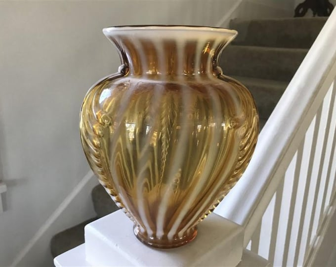 Large Fenton Glass Vase with ridged design., Excellent Condition, with Reduced Shipping
