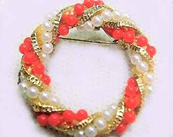 Women's Vintage Brouch , Christmas Reef, Gold tone with Red and White Pearl beads, Beautiful Design, Colorful and New looking , Reduced Ship