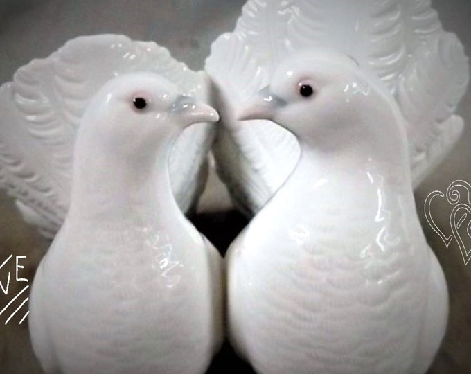 """Llaadro Doves No. 1169 , 1971 , VINTAGE Collectable Figurines  In Excellent Condition, """"Couple of Doves"""" perfect gift for the Newly Weds"""