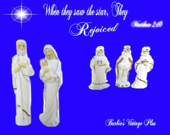 1993 Christmas Treasures Porcelain Nativity , Set includes Five Pieces, Comes in the original boxes, Beautiful Glazed White with Gold Trim