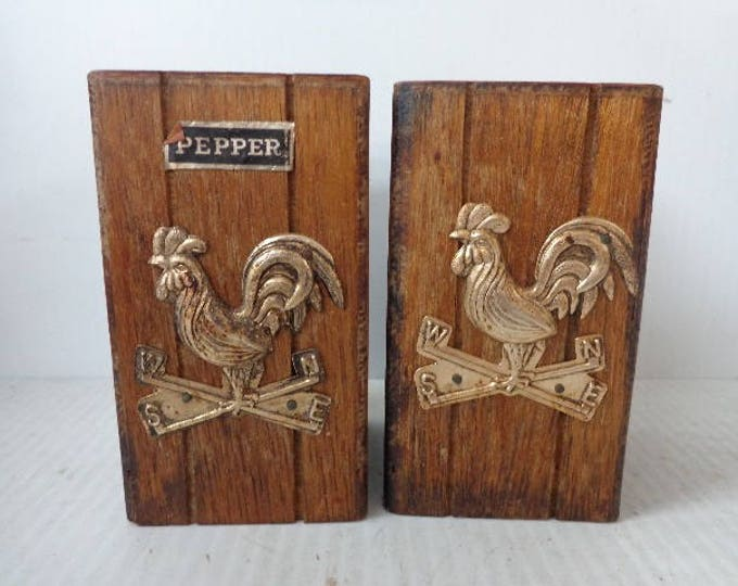Vintage Wood Rooster Salt and Pepper Shakers, Good Used Condition, with Reduced Shipping