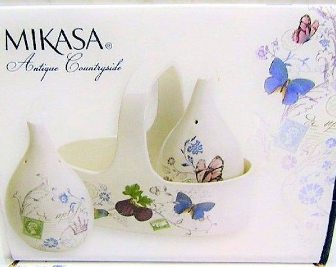 Mikasa Antique Countryside Fig Salt & Pepper Set, Beautiful Gift Set , in the original box, Excellent Condition, with reduced shipping