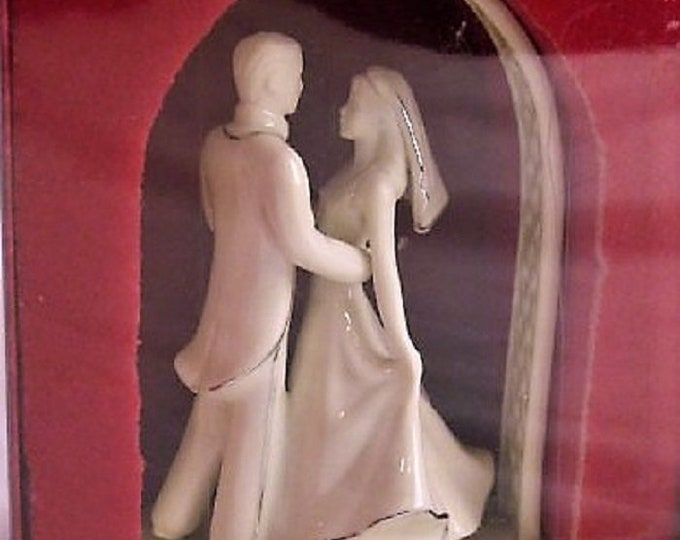 Lenox Wedding Cake Topper, 2000,  in the original Box and Excellent Condition  , With Reduced Shipping